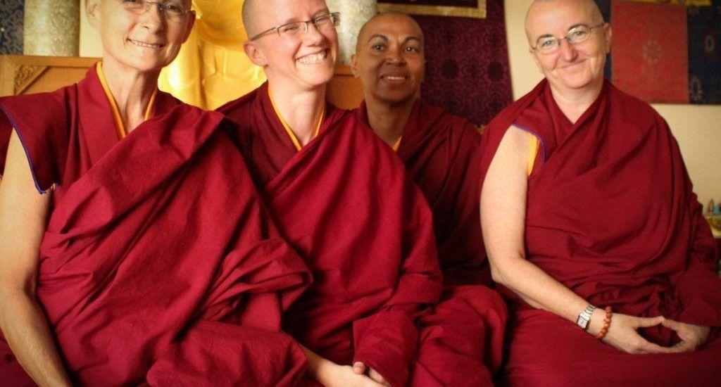 """Monjas budistas y cristianas se proponen """"construir puentes"""""""
